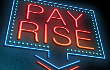 Pay awards steady at 2% ­– XpertHR
